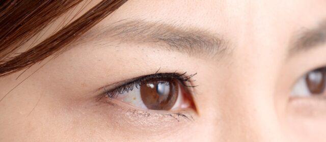 眼のアップ